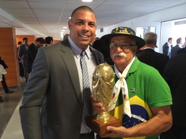 Clovis Fernandes com Ronaldo