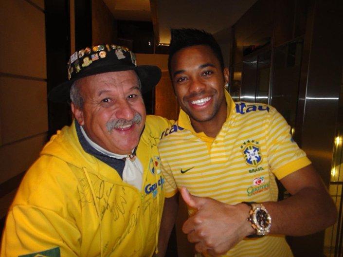 Clovis Fernandes com o jogador Robinho