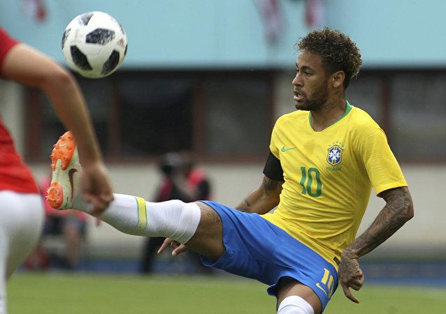 Neymar durante amistoso contra a Áustria.