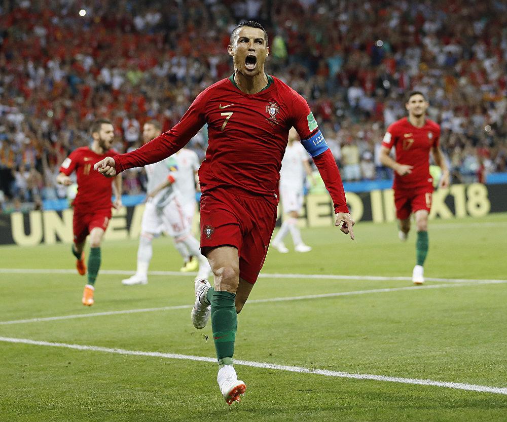 Cristiano Ronaldo comemora seu primeiro gol.