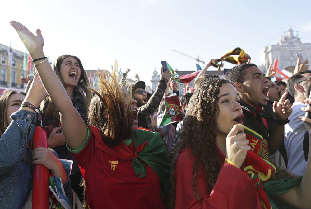 Torcedores portugueses em Lisboa