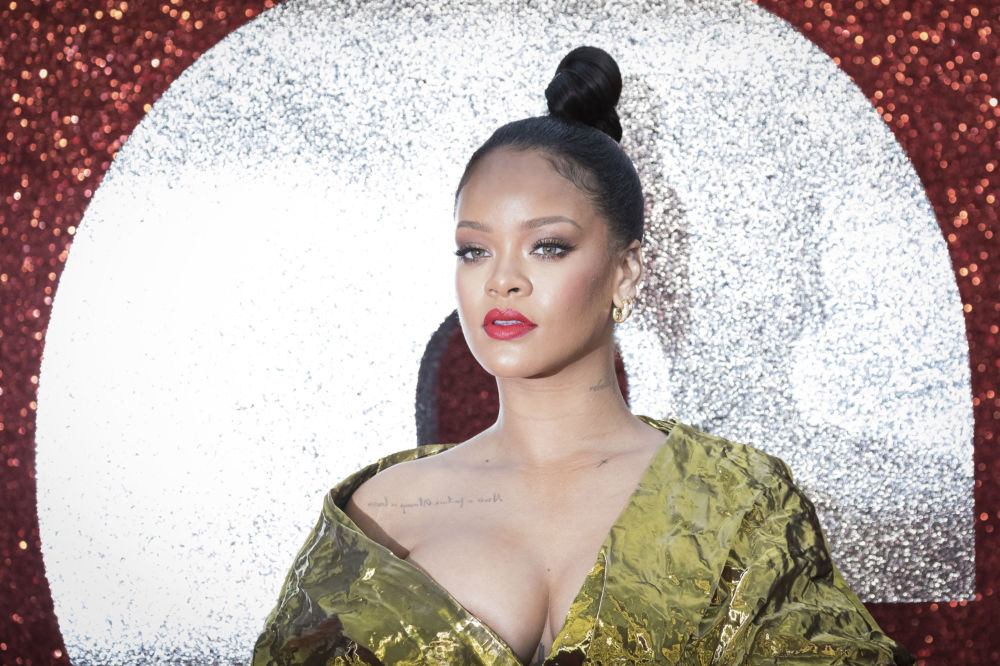 Cantora norte-americana Rihanna na estreia do filme Oito Mulheres e um Segredo em Londres