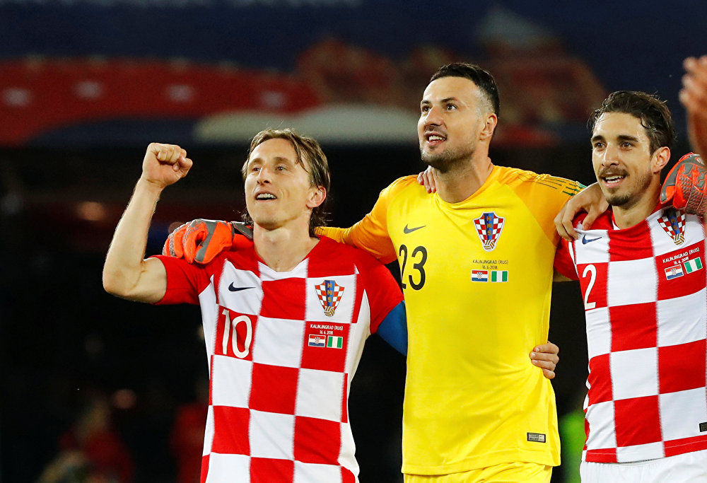 Croatas comemoram a vitória contra Nigéria