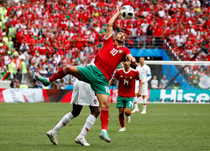 Meia central marroquino, Younes Belhanda, durante o jogo Portugal-Marrocos em Moscou, 20 de junho de 2018