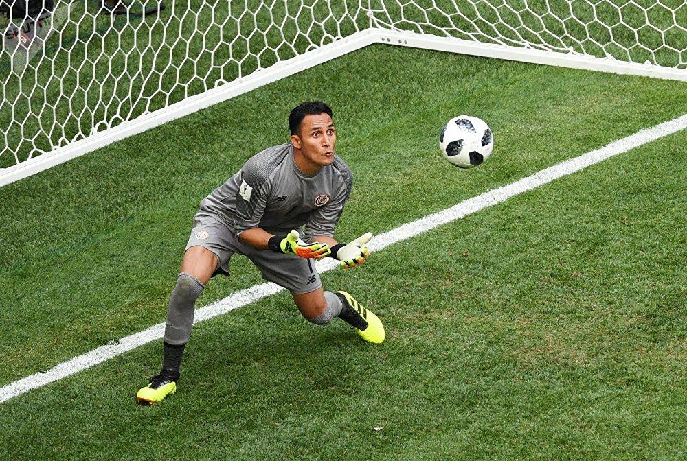 Goleiro costa-riquenho, Keylor Navas, durante a partida contra o Brasil, em 22 de junho de 2018, no estádio São Petersburgo