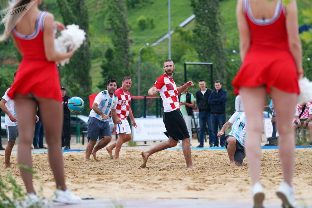 Amistoso de futebol de areia entre Argentina e Croácia em Nizhny Novgorod.