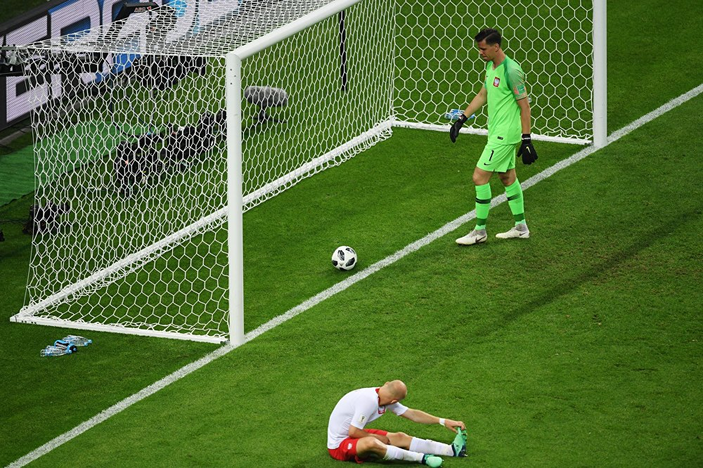 Goleiro polonês lamenta gol tomado da Colômbia em jogo do grupo H da Copa do Mundo 2018 da Rússia