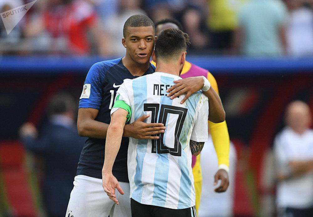 Mbappé e Lionel Messi.