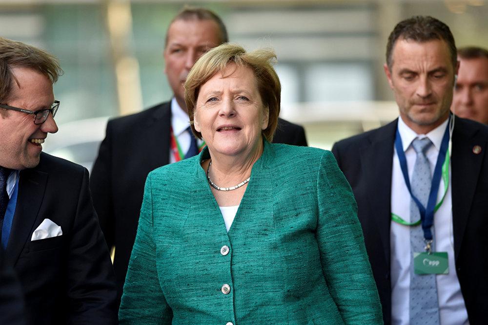 Chanceler alemã Angela Merkel assiste à reunião do Partido Popular Europeu na véspera da Cúpula da União Europeia em Bruxelas, Bélgica