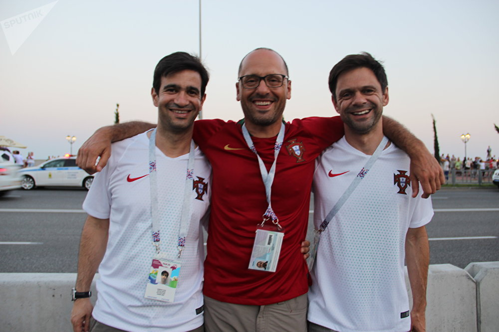Paulo, Pedro e Eduardo, torcedores portugueses, antes do jogo Portugal-Uruguai, em 30 de junho de 2018, em Sochi