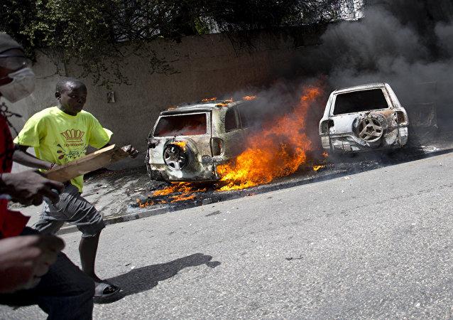 Protesto contra o aumento do preço dos combustíveis no Haiti, em julho de 2018.