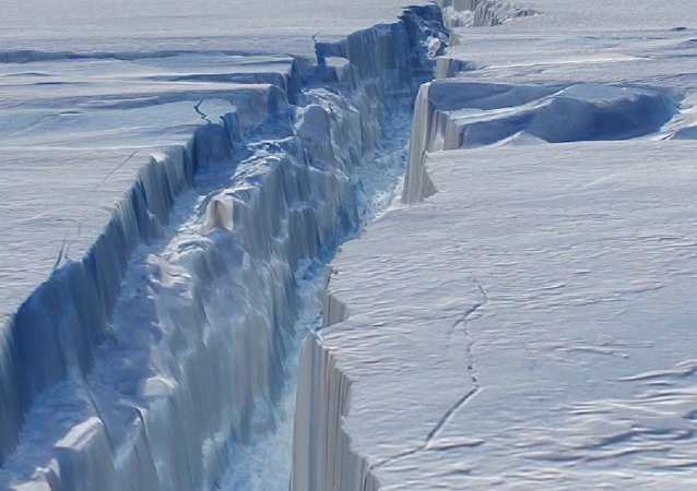 Brecha na geleira Pine Island, na Antártida
