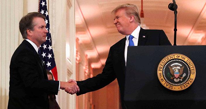 Trump e  o novo juiz da Suprema Corte: Brett Kavanaugh.