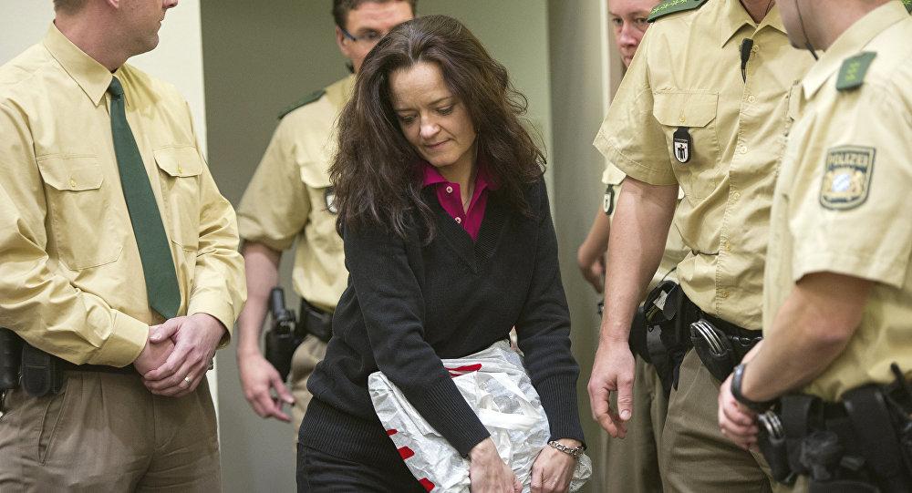Beate Zschaepe, integrante do grupo neonazista alemão NSU é condenada à prisão perpétua