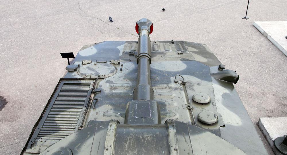 Obus autopropulsado soviético 2S1 Gvozdika