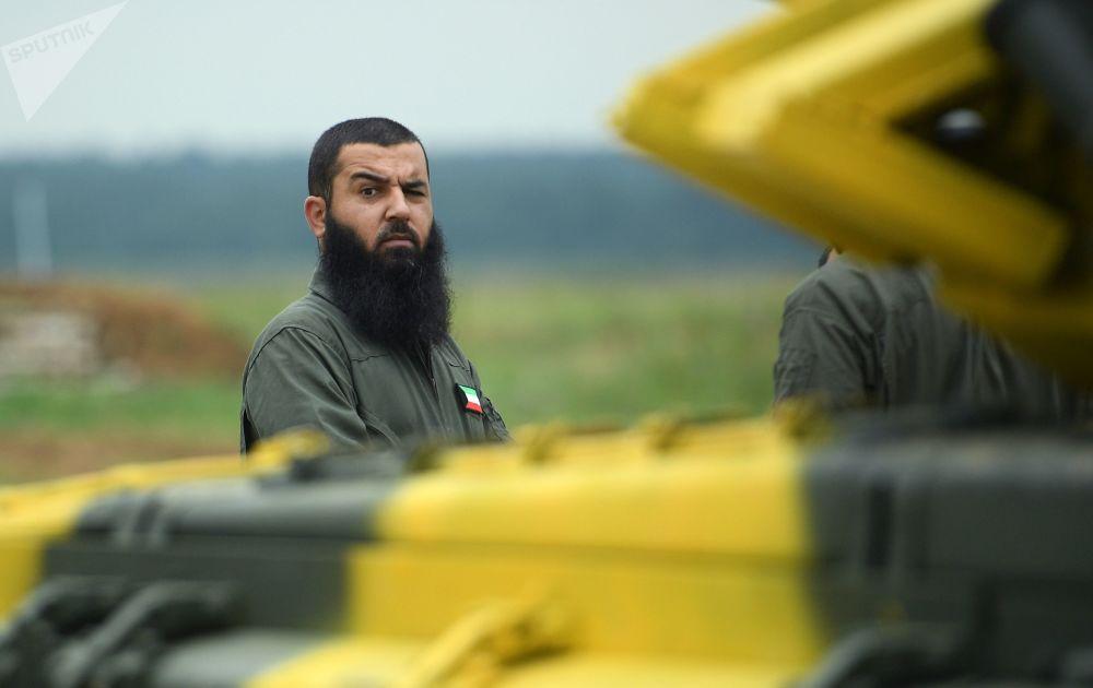 Um tripulante do exército do Kuwait em Kubinka, região de Moscou