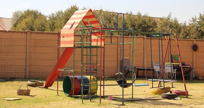 Parque infantil em um dos bairros em Kleinfontein