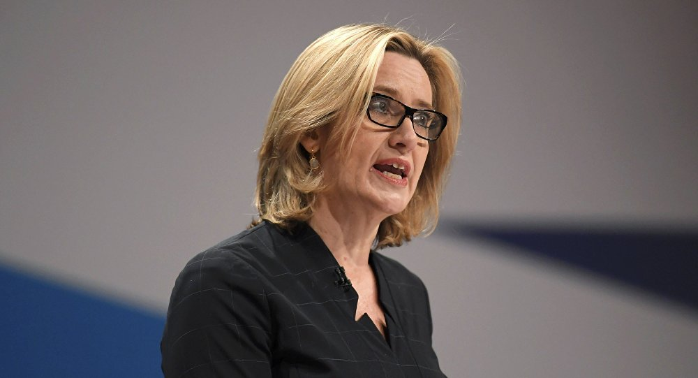 Ex-secretária britânica Amber Rudd na Conferência anual do Partido Conservador em Birmingham, Inglaterra (arquivo)