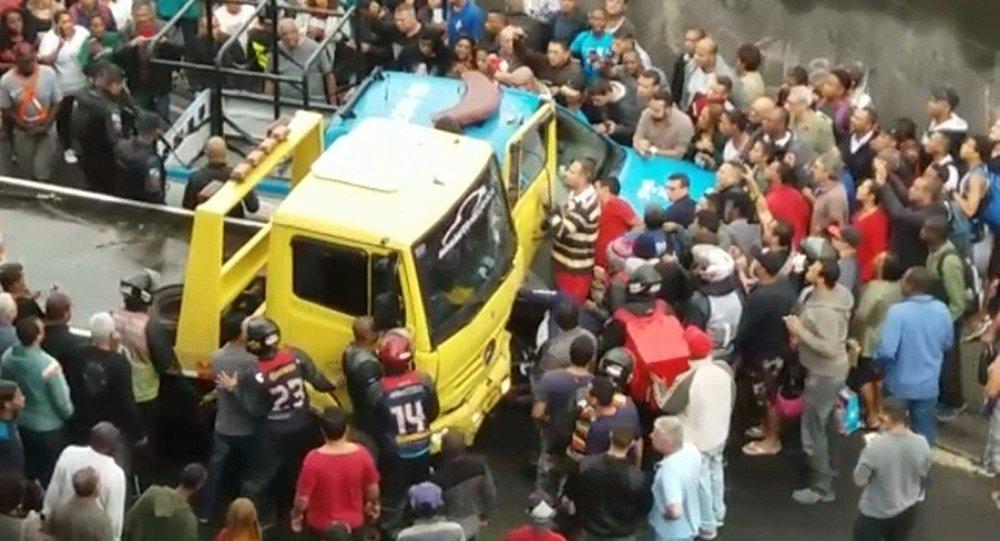 Atropelamento no bairro da Penha.
