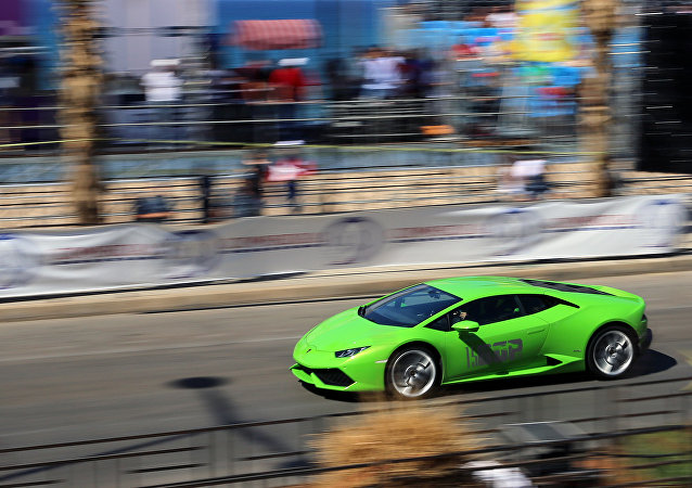 Lamborghini compete no Grande Prêmio de Beirute em Beirute, Líbano, 25 de setembro de 2016