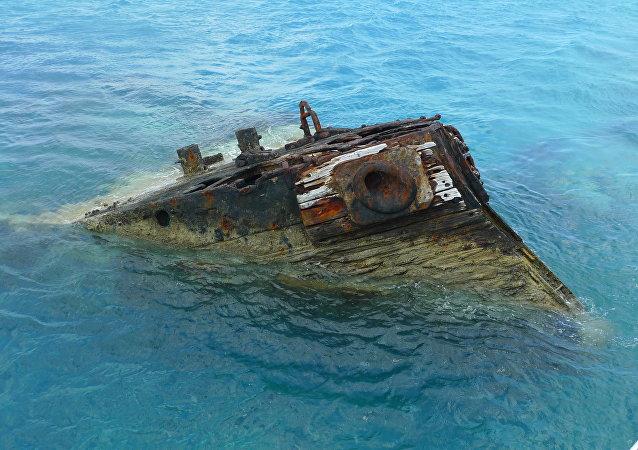 Navio afundando em Bermudas