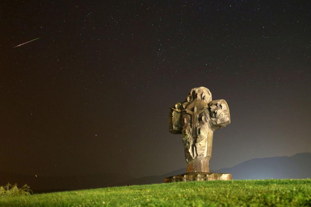 Espetáculo de estrelas cadentes visto na Bósnia e Herzegovina