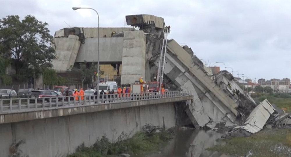 Ponte destruida na cidade italiana de Gênova