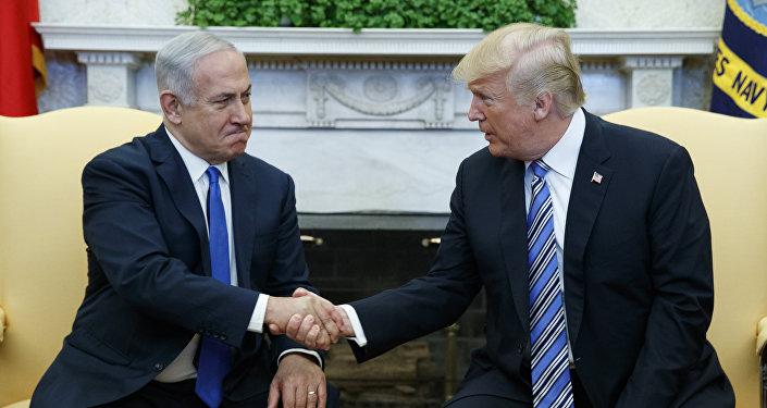 O presidente Donald Trump se encontra com o primeiro-ministro israelense, Benjamin Netanyahu, no Salão Oval da Casa Branca.