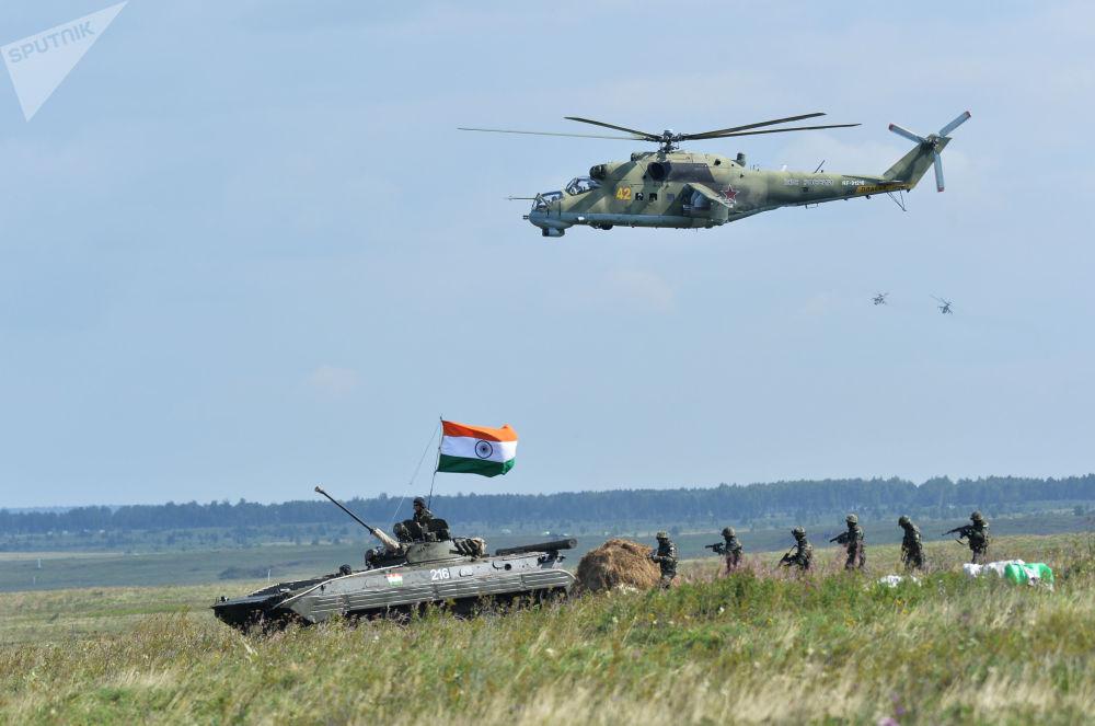 Forças da Índia tomam parte nas manobras internacionais antiterroristas da OCX