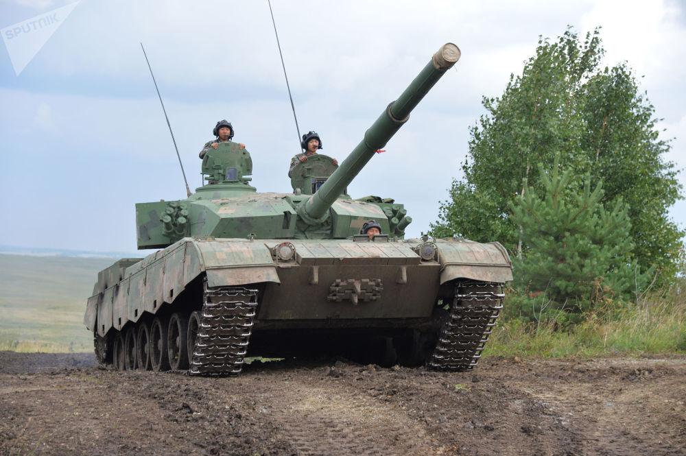 Soldados chineses chegaram para a Rússia a fim de praticar e melhorar suas capacidades na luta contra terroristas