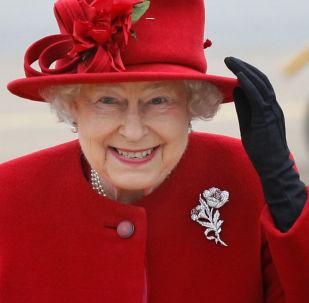Rainha do Reino Unido, Isabel II