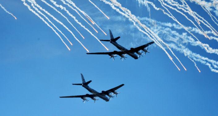Bombardeiros estratégicos Tu-95 da Força Aérea russa (arquivo)
