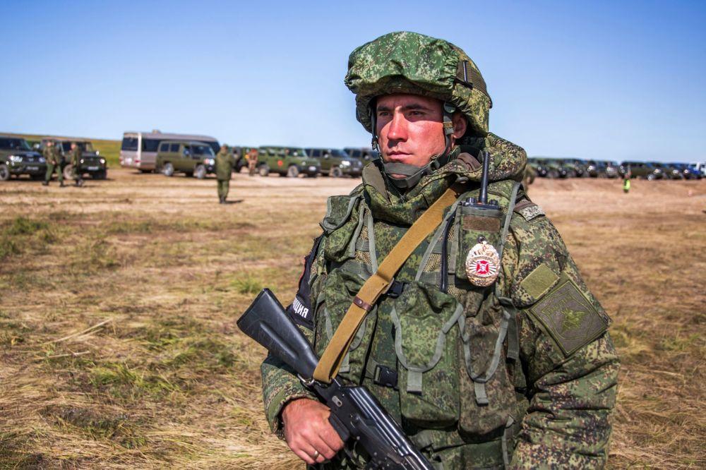 Militar nas manobras militares Vostok 2018