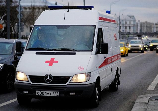 Ambulância russa no trânsito de Moscou (imagem ilustrativa)