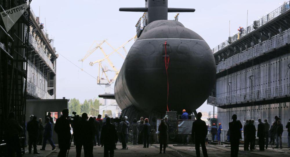 Cerimônia solene de lançamento do submarino Kronshtadt do projeto 677 Lada, em São Petersburgo