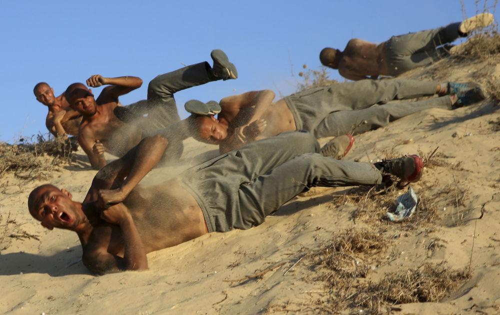 Academia de Polícia Militar realiza treinamento de guerra na Faixa de Gaza