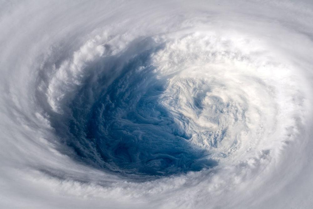 O super tufão Trami visto em 25 de setembro desde a Estação Espacial Internacional, dirigindo-se para o Japão