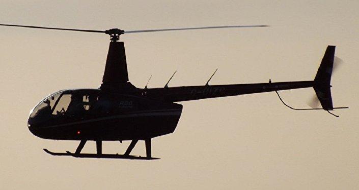 Um helicóptero Robinson