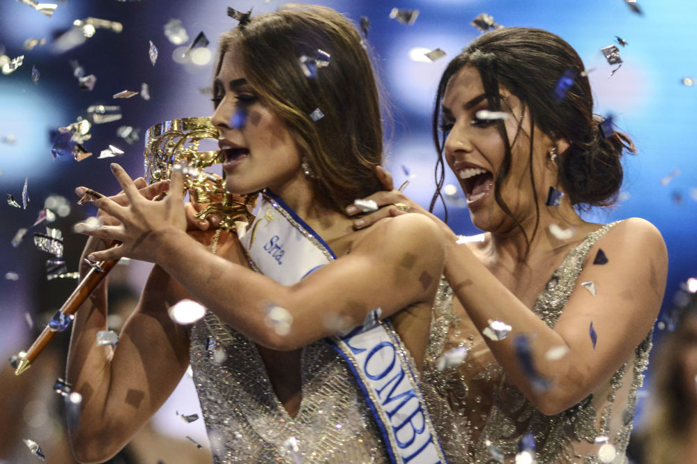 Ganhadora do Miss Colômbia 2018, Valéria Morales, comemora sua vitória na cidade colombiana de Medellín