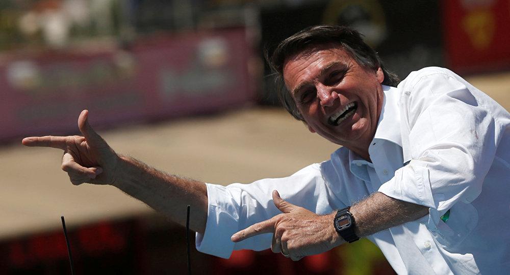 O candidato à Presidência da República, Jair Bolsonaro (PSL) , durante um ato de campanha em Taquatinga-DF.