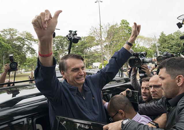 Candidato à presidência do Brasil, Jair Bolsonaro (PSL), chega para votrar no Rio de Janeiro, em 7 de outubro de 2018