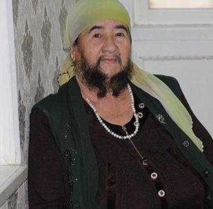 Mulher do Cazaquistão com barba notável, Mukhtabar Toraeva