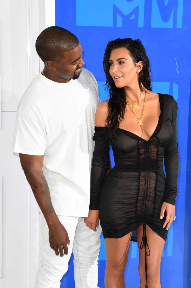 Kim Kardashian e Kanye West chegam à cerimônia de música MTV Video Music Awards, em Nova York, em 28 de agosto de 2016