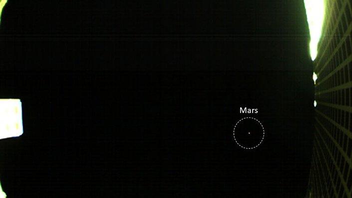 A imagem de Marte recebida por MarCO, primeiro nanossatélite da NASA