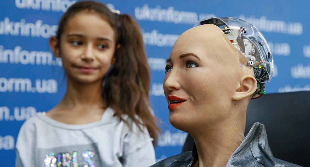 Androide Sophia em exposição realizada em Kiev.