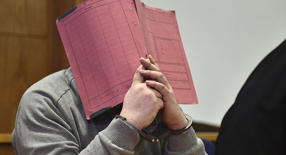 O enfermeiro Niels Hoegel durante julgamento em 2015.