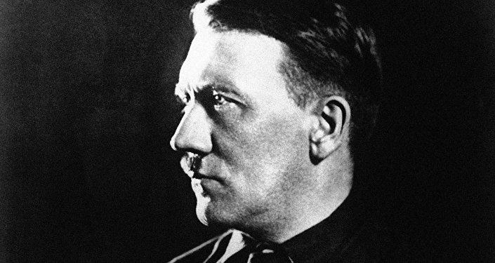 Adolf Hitler por volta de 1930