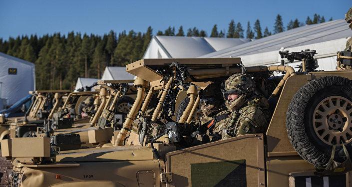 Tropas do exército britânico participam do exercício Trident Juncture 2018 perto de Rena, Noruega, 22 de outubro de 2018