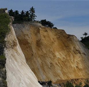 Parte de um deslizamento maciço em Naga, no centro das Filipinas, 21 de setembro de 2018 (imagem referencial)
