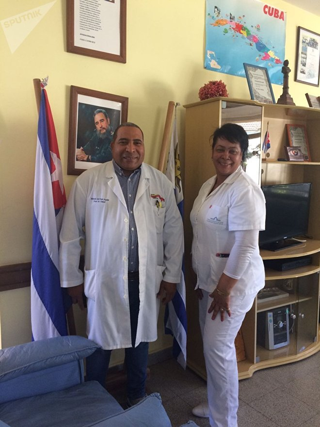 Médicos cubanos da missão Operação Milagre no Uruguai